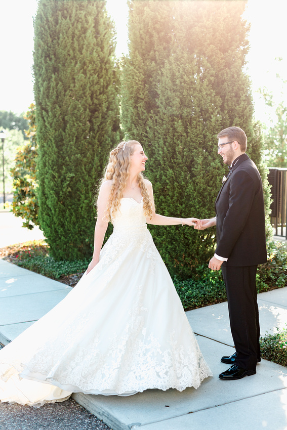 Newlywed pictures. Weddings at The Regent.