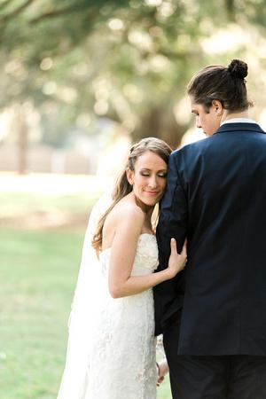 Casa Lantana Wedding. Tampa Wedding Venue. Intimate wedding. Bride and groom. Pink and white wedding details. Tampa wedding photographer. Florida wedding.