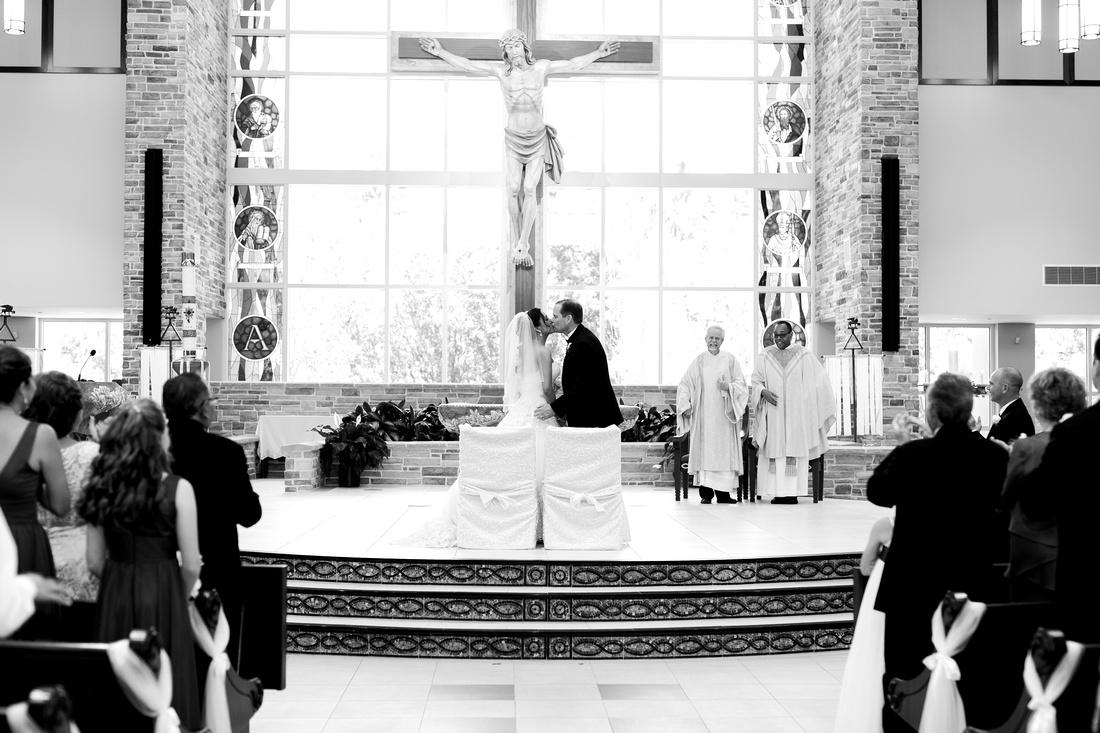 Church wedding in Tampa.  Tampa wedding photographer.