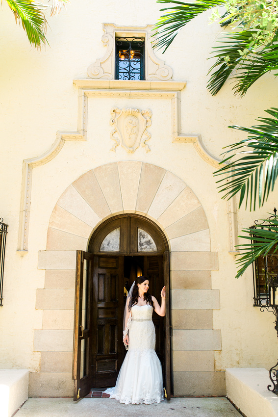 Bridal Portraits at Powel Crosley Estate. Tampa Wedding Venue. Tampa Wedding Photographer.