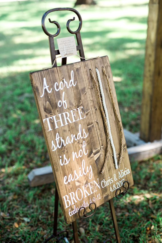 Central Florida Wedding Venue- Lakeside Ranch. Rustic Chic wedding details with lots of greenery