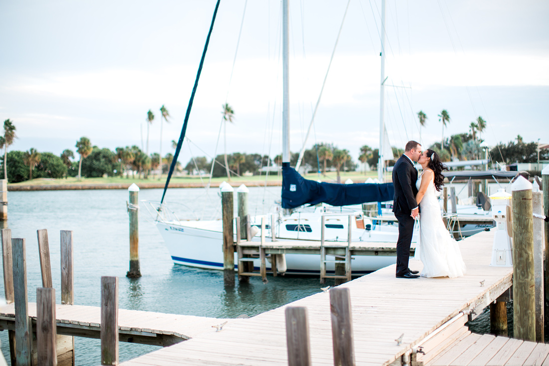 Classic Wedding at The Club at Treasure Island. Tampa Wedding Photographer