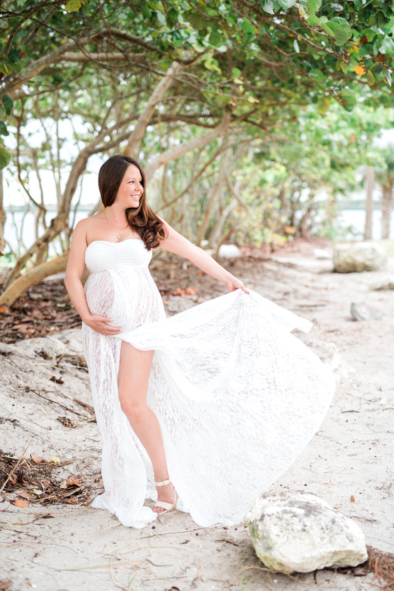 Outdoor Maternity Photos on beach and at state park. Tampa Maternity Photographer. Mama to be photos.