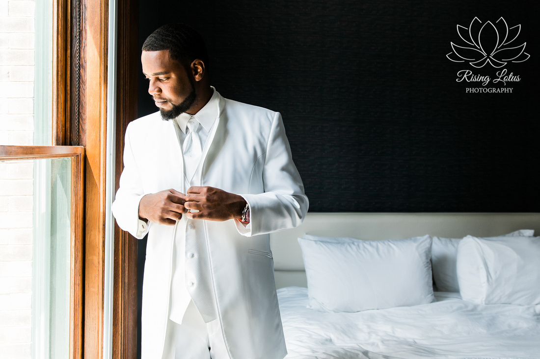 Photo of a groom at the Le Meridien Hotel in Tampa, FL.