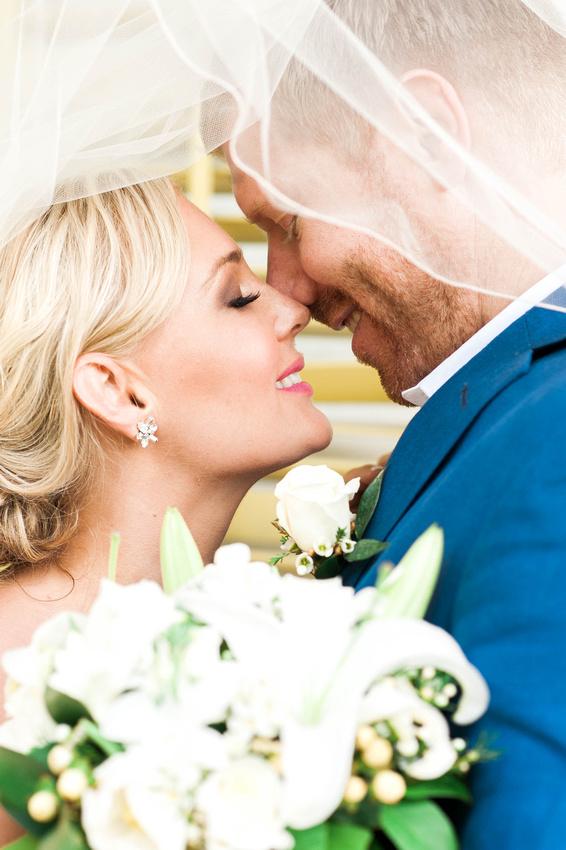 Key West Wedding. Hemmingway House Wedding. Key West Wedding Photographer