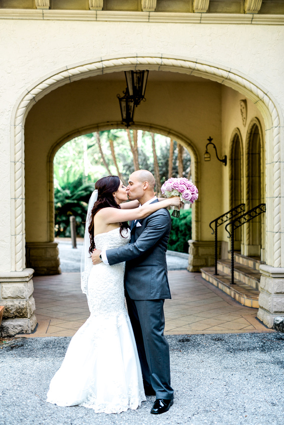 Powel Crosley Estate Wedding. Tampa Wedding Photographer. Bride and Groom photos.