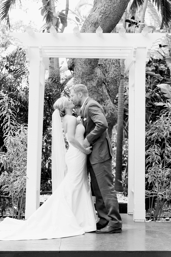 Bride and Groom in Key West. Key West Wedding Photographer. Key West Wedding. Intimate Key West Wedding. Hemmingway House Wedding.