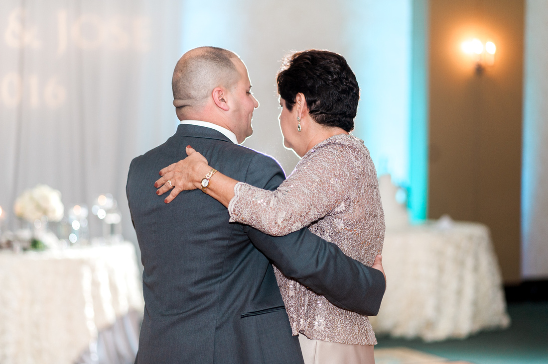 Palmetto Club Wedding Reception. Tampa Wedding Photographer