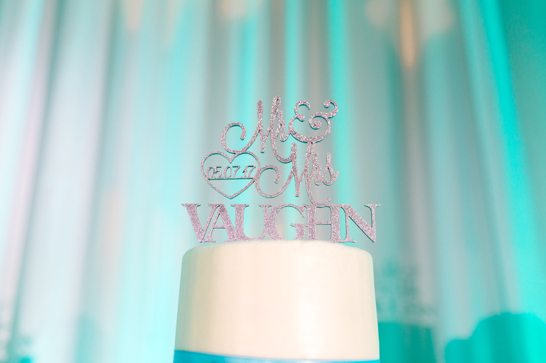 Tiffany blue and white wedding at Crowne Plaza Tampa Westshore