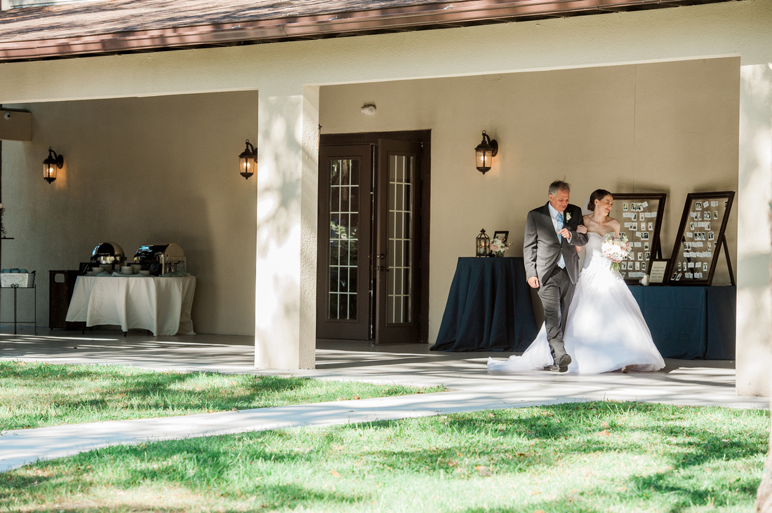 Outdoor wedding ceremony at Bakers Ranch