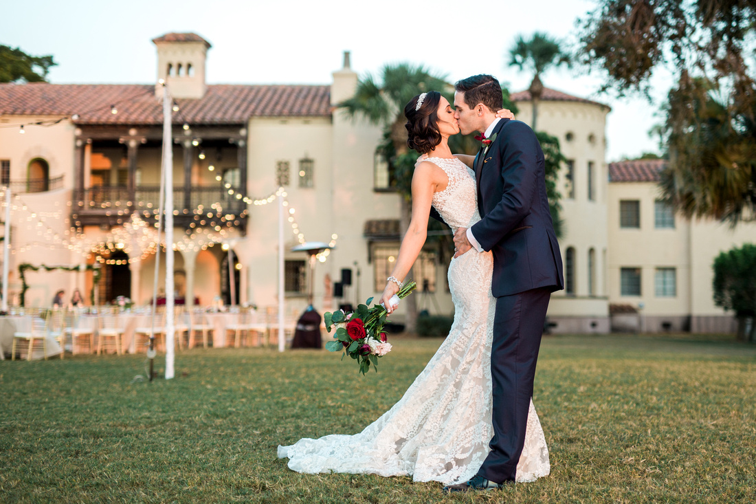 Tampa wedding venue, powel crosley estate. Tampa wedding photographer. Timeless Fall wedding.